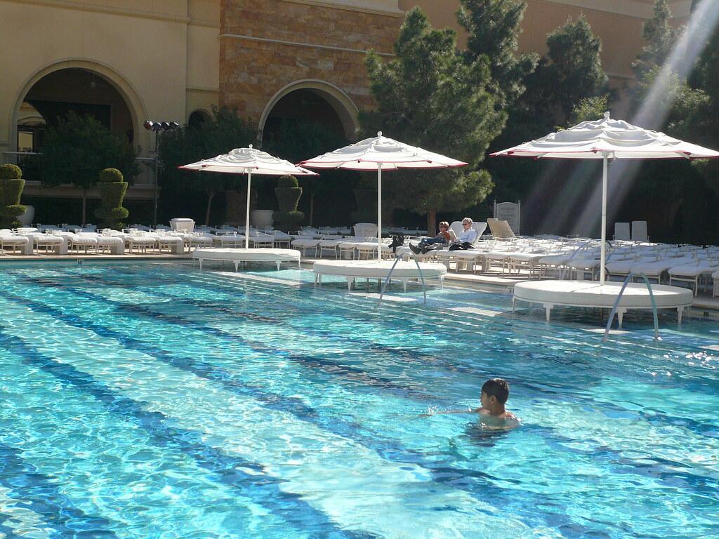 Las vegas wynn hotel european pool feel free to re use for Pool show in las vegas
