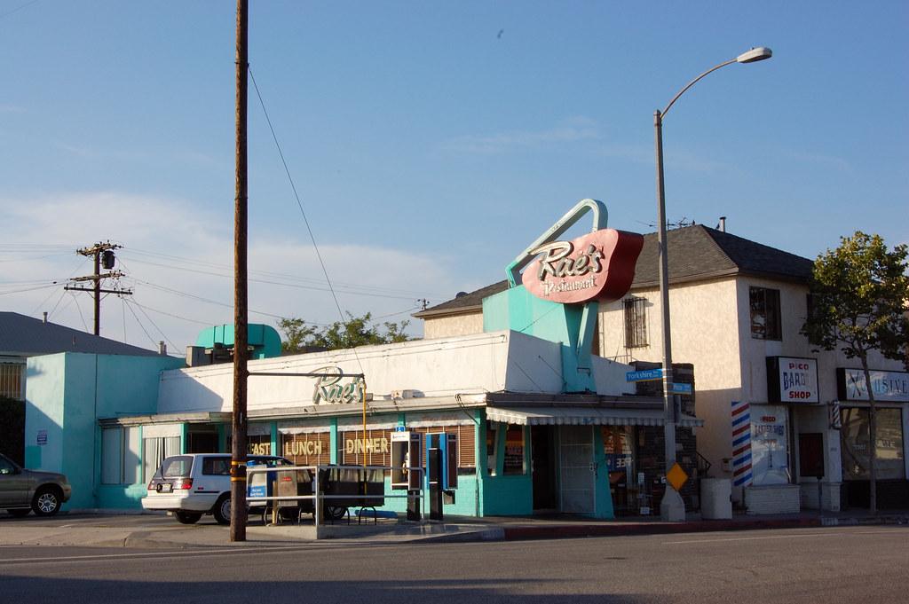 Rae 39 s rae 39 s diner pico boulevard santa monica for Cox paint santa monica