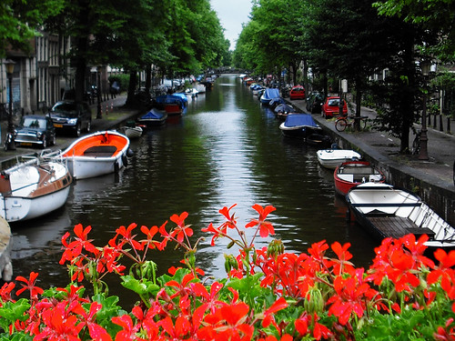 amsterdam_canal_flowers | by Snooker in Berlin