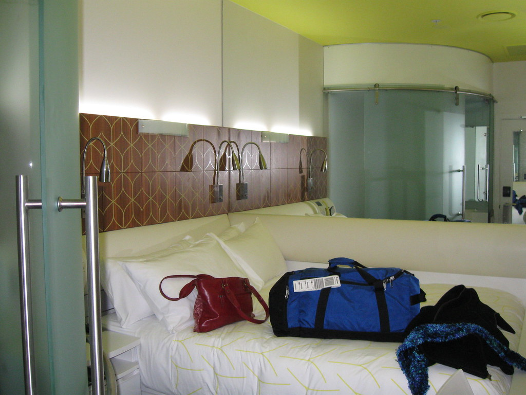 Single Bed Hotel Room Caticlan Section