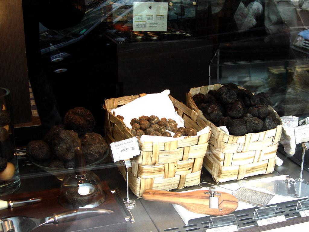Maison de la truffe place de la madeleine paris flickr - Maison des truffes paris ...