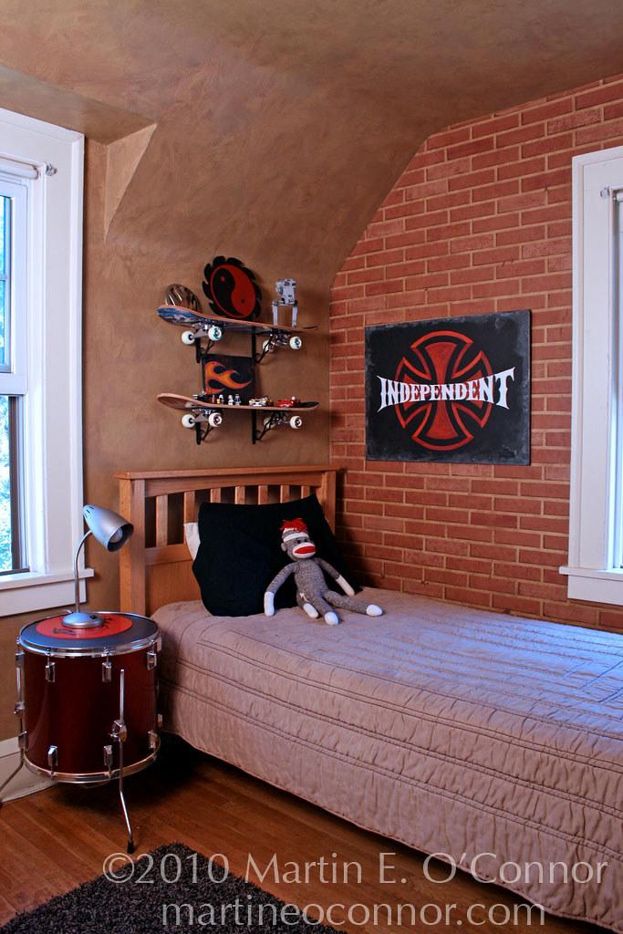 Rock N Roll Skateboard Boy S Bedroom Faux Brick Painted
