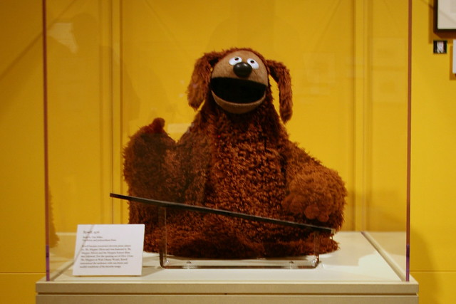 Rowlf the Dog and past exhibit at the Ripley Center. Photo: Cliff, CC.