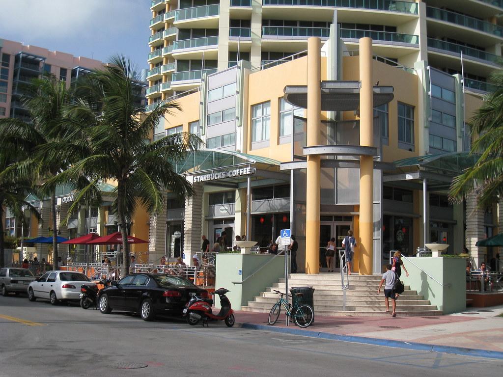 Starbucks Miami Beach Ocean Drive