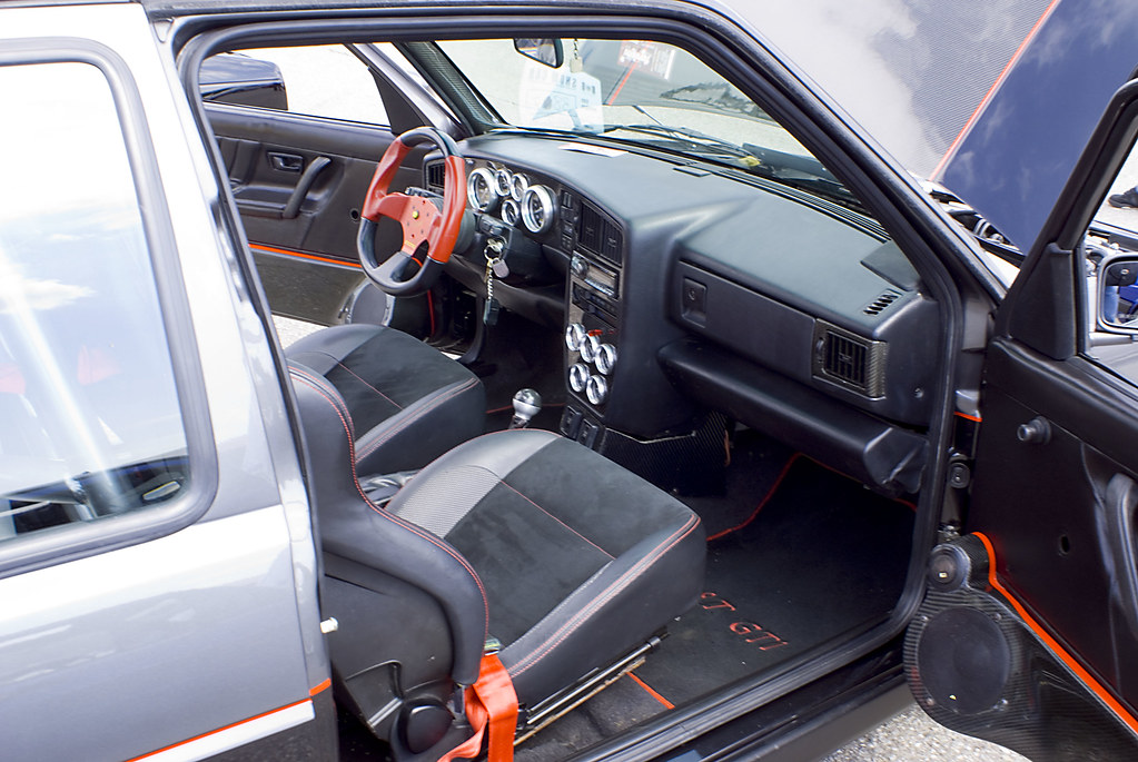 Vagkraft 2008 - 165 - VW MK2 Golf GTI DUBLYF Interior | Flickr