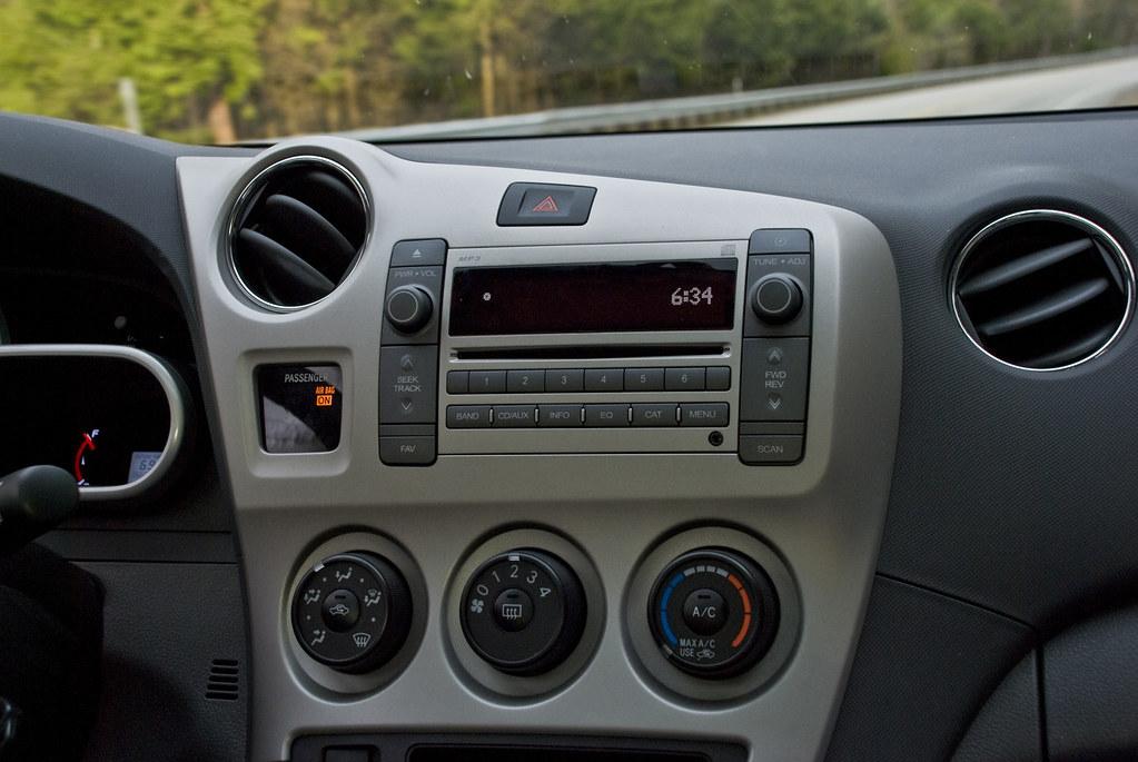 2009 Pontiac Vibe Gt Radio And Controls