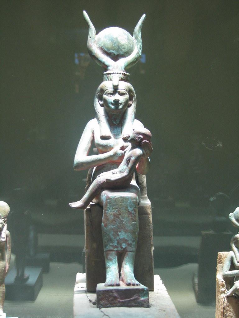Isis and Horus, Saqqara | Figurine of Isis holding Horus ...