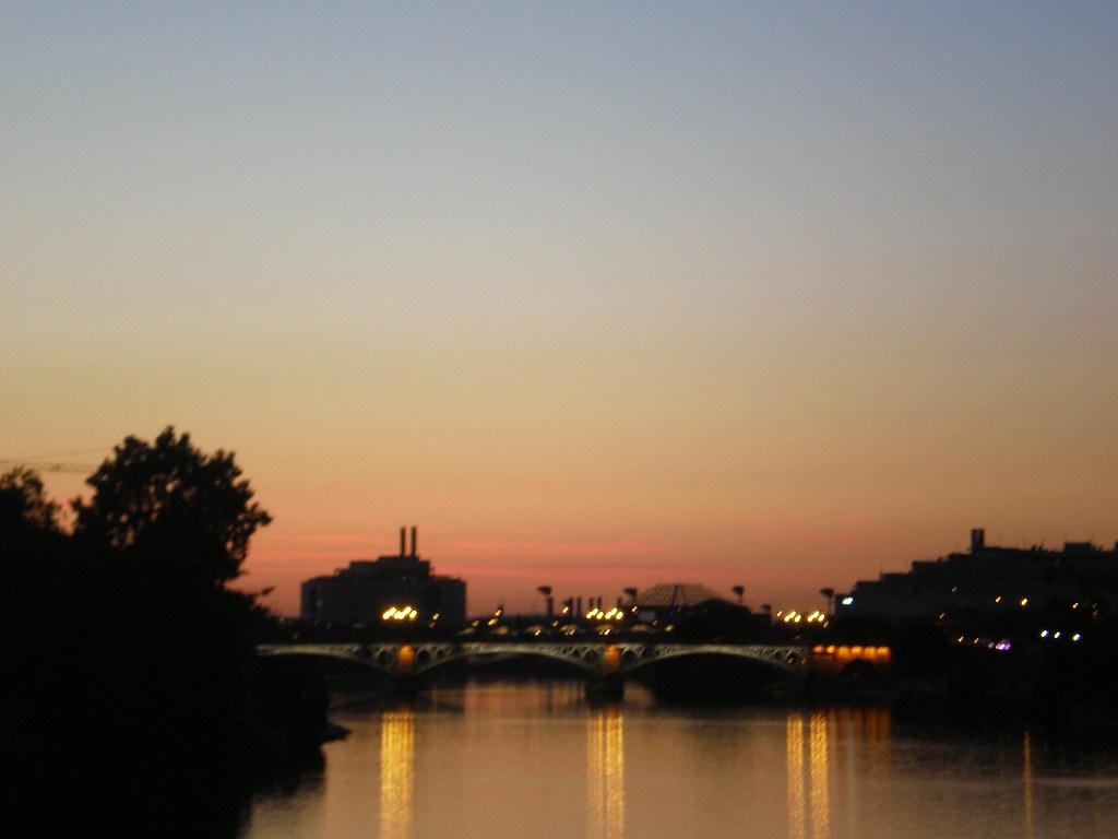 Siviglia tramonto su la isla de la cartuja cristina - Isla de la cartuja ...