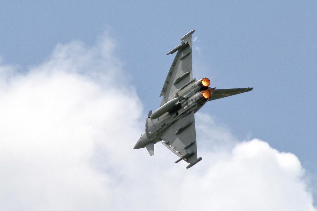 Steep Turn | Throttle open, the Typhoon pulls a tight turn ...