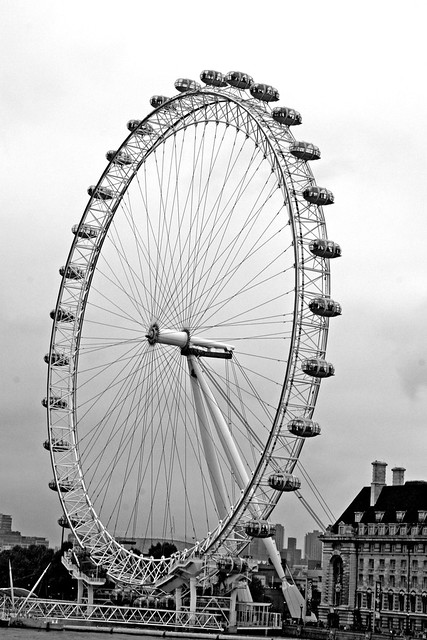 london eye black and - photo #13