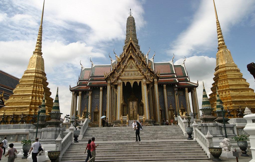 IMG_0737-1  Bangkok, Thailand. Grand Palace. Prasat Phra ...