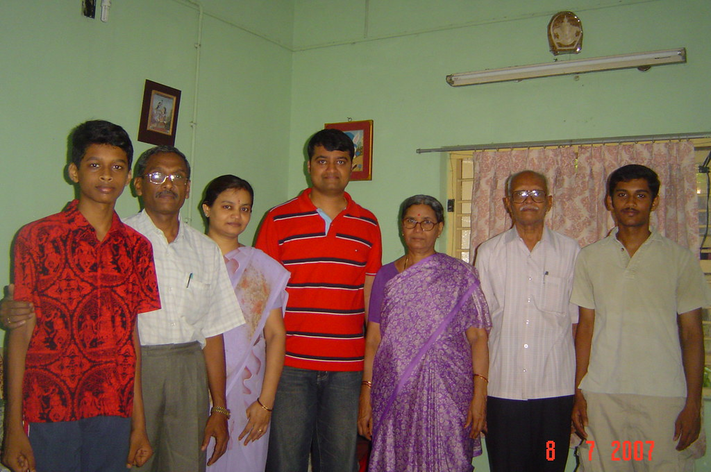 Sridhar with his parents & sister's family (August 07 ...