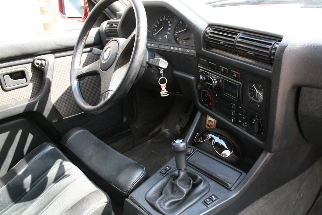 bmw e30 interior with bmw sportlenkrad steering wheel flickr. Black Bedroom Furniture Sets. Home Design Ideas