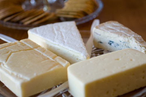 color of low-fat cheese