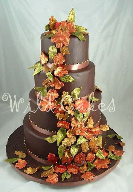 wedding cake fall colors autumn leaves wedding cake originally i was going to 22591
