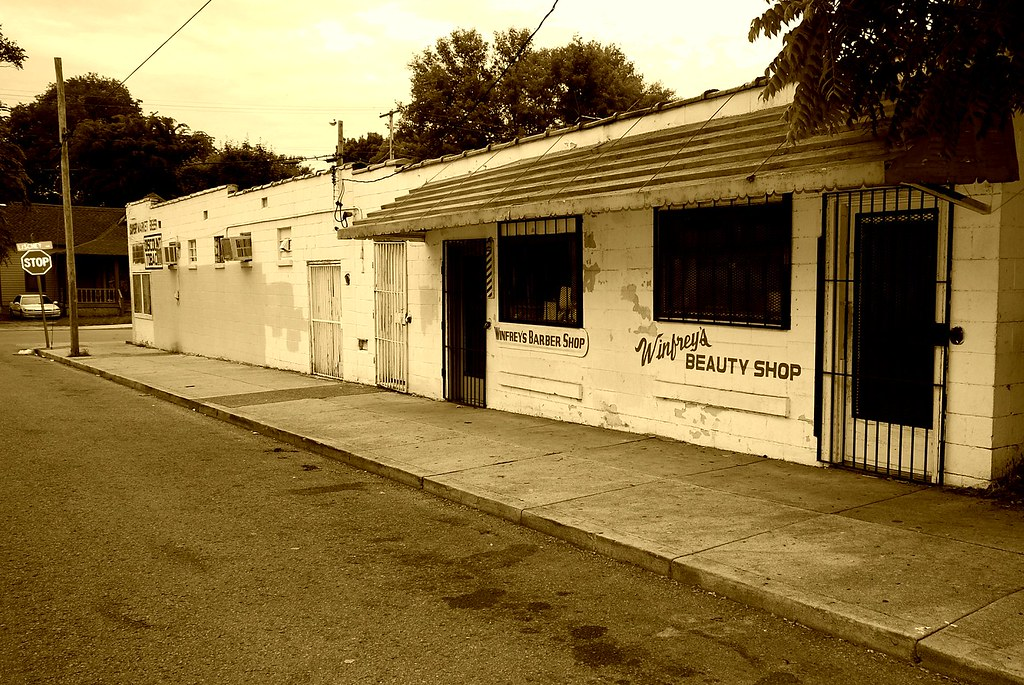 Vernon Winfrey's Barber Shop | Oprah's father Vernon ...