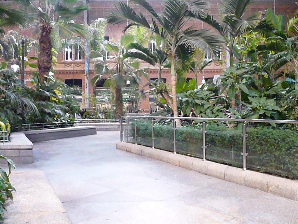Atocha atocha jardin tropical c sar caracuel flickr - Jardin tropical atocha ...