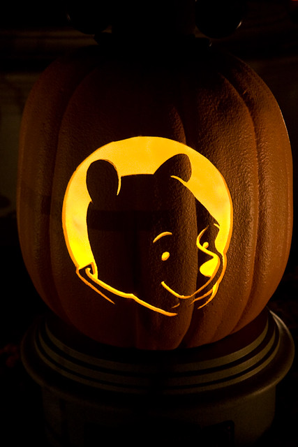 Winnie the pooh pumpkin at disneyland during their for Winnie the pooh pumpkin carving templates