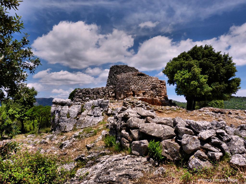 Nuraghe serbissi xvii x secolo a c sardegna osini for Aprire piani moderni