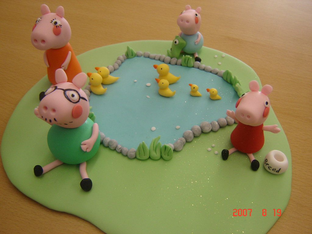 peppa pig cake topper peppa and family feeding the ducks w flickr