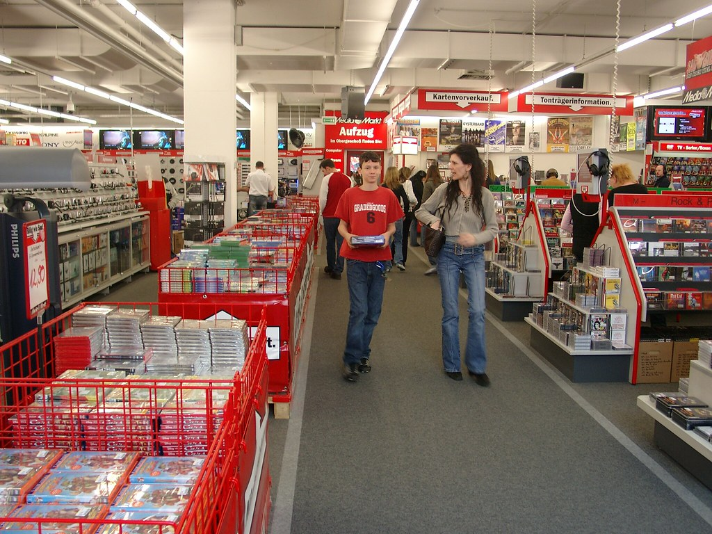 2007 in the cd dvd section media markt worms flickr. Black Bedroom Furniture Sets. Home Design Ideas