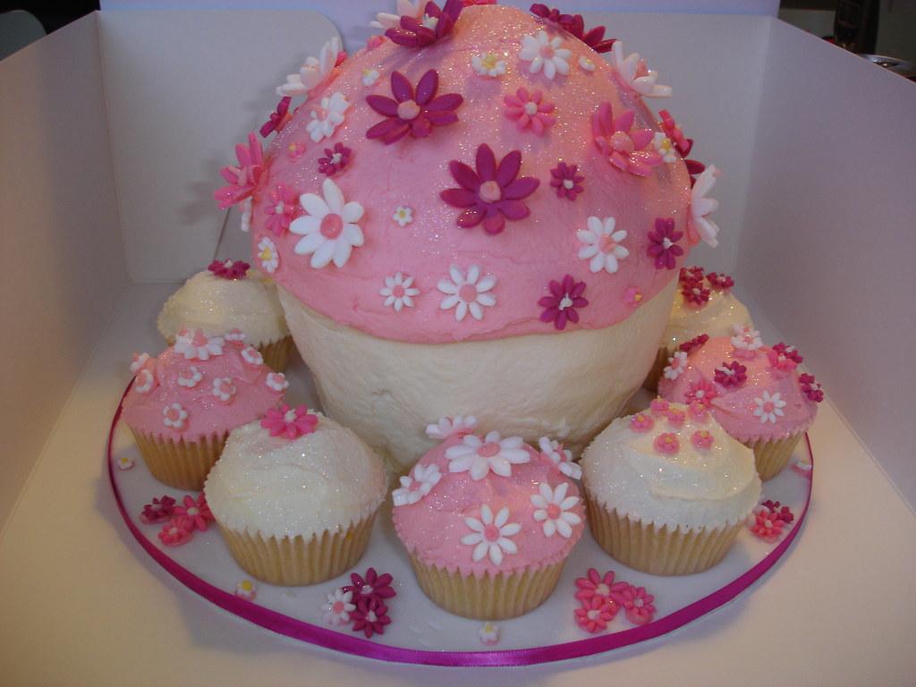Cupcake Decorating Ideas 21st Birthday : Giant cupcake for 21st birthday ...