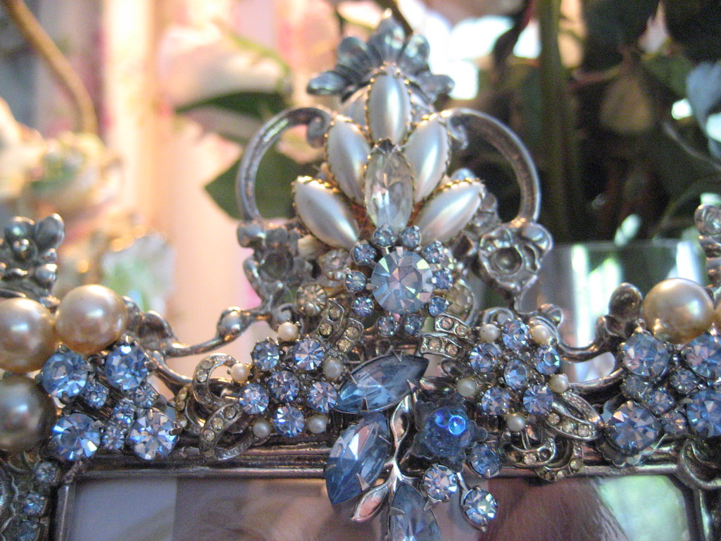 Vintage Jeweled Romantic Scrolly Frame | Just finished proje ...