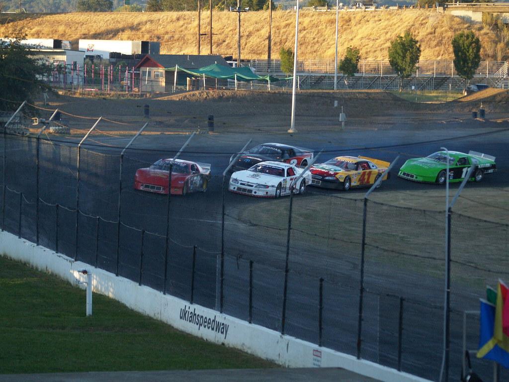 Amateur race car tracks in california really