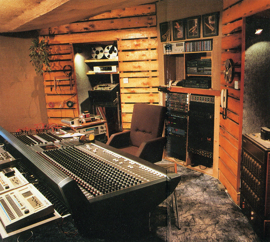 Mudd Wallace S Homestead 24 Track Recording Studio Randal