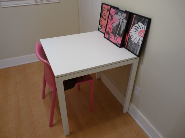 sold white ikea melltorp table i don 39 t have anything fancy flickr. Black Bedroom Furniture Sets. Home Design Ideas