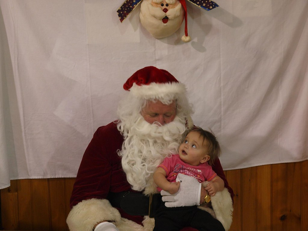 Baby looking funny at Santa | This was such a funny Baby ...