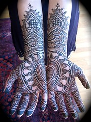 Sri's mehndi hands (and one of my most-stolen images) | by HennaLounge