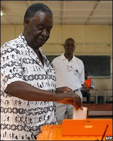 Michael Sata, leader of the opposition Patriotic Front in Zambia, voting in the October 30, 2008 national elections. He has accused the ruling MMD party of rigging the elections. | by Pan-African News Wire File Photos