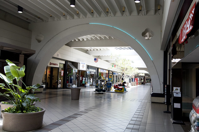"Planning a visit to the ""Best Big City"" in the South? Include a trip to the most exciting lifestyle shopping center in the area - The Parks Mall at Arlington. Indulge in more than specialty stores, and fit a film into your spree at the onsite AMC 0549sahibi.tkon: South Cooper Street, Arlington, , TX."
