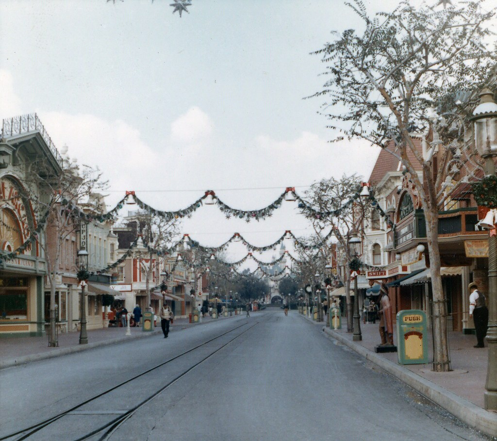 Main Street U S A Disneyland Anaheim Dec 1966 Flickr
