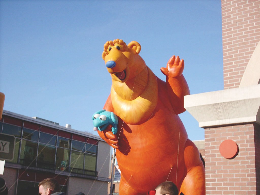 bear in the big blue house balloon at the 2008 ubs parade u2026 flickr