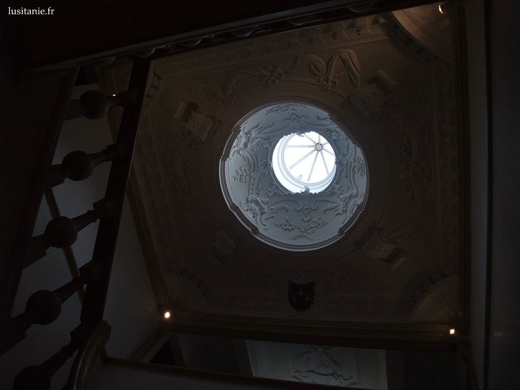Oculus de la cage d'escalier