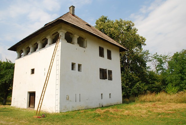 Romania curtisoara fortified house from 18th century for Fortified home plans