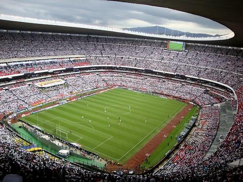 Lleno total estadio azteca m xico 3 jamaica 0 ernesto for Puerta 1 estadio azteca