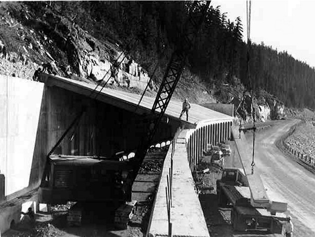 I 90 snoqualmie pass east historic photos construction for I 90 construction