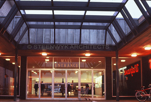 Dixie Square Mall - Harvey, Illinois | Mall entrance near ...