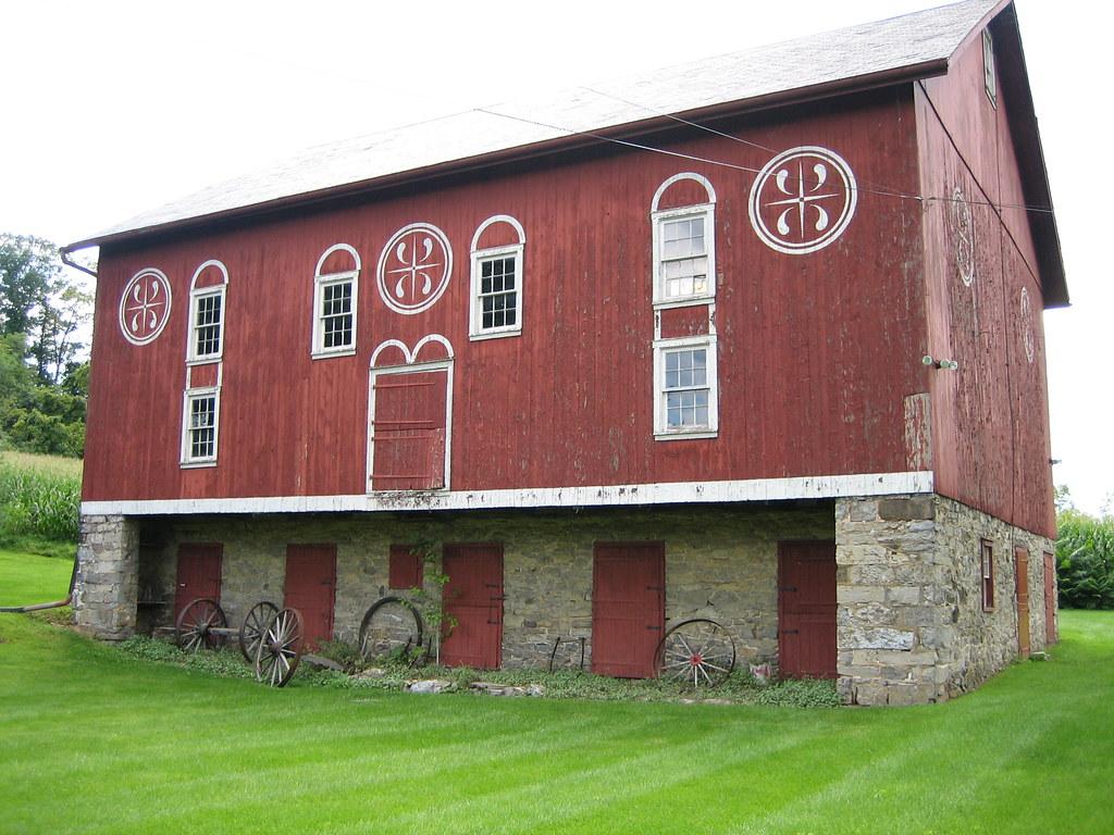 Amish Dutch Doors : Old pennsylvania german barn the is located on