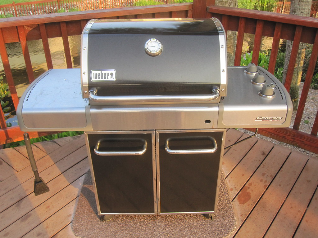 Weber Grill Genesis S  Natural Gas