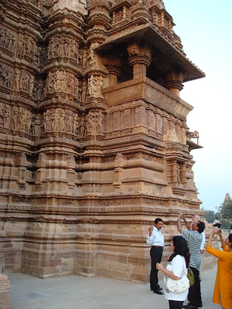 kandariya mahadeva exterior view title kandariya