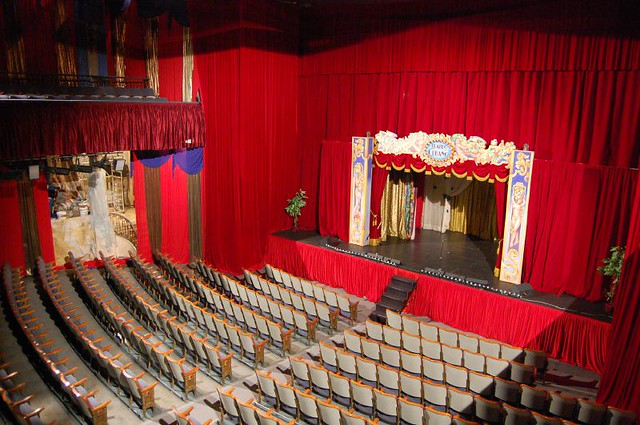 Cine coliseum barcelona spain orchestra seating and curr flickr - Teatro coliseum madrid interior ...