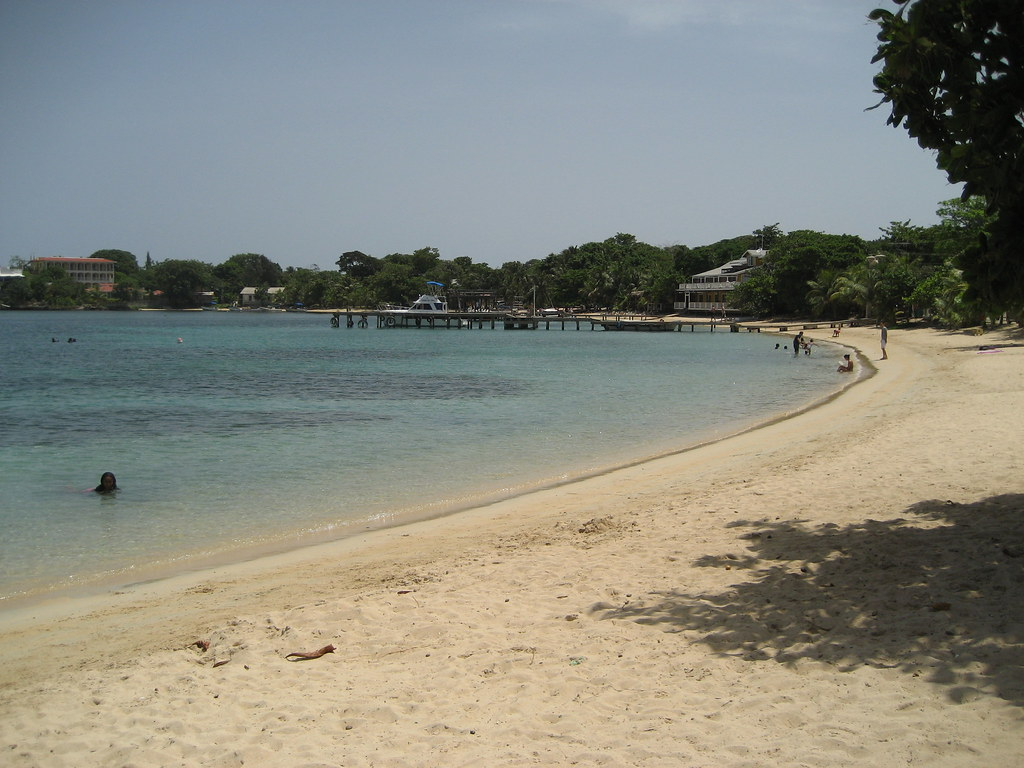 Map Roatan Island
