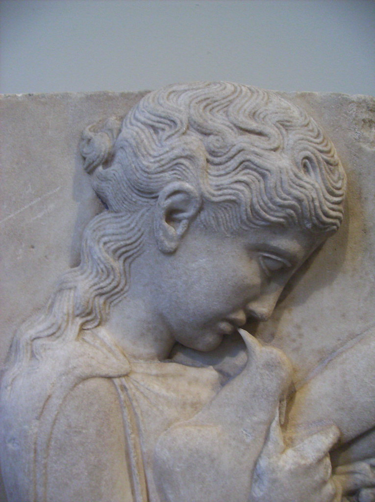 Marble grave stele of a little girl with dove deatil of h for Graue stuhle