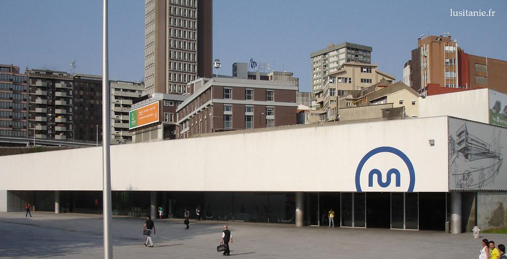 Metro de Porto, station Trindade