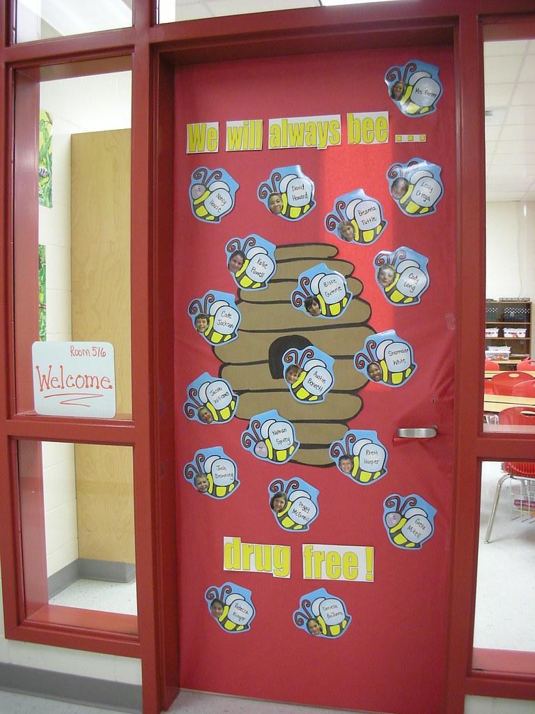 Red Ribbon Week Door Decorating Ideas