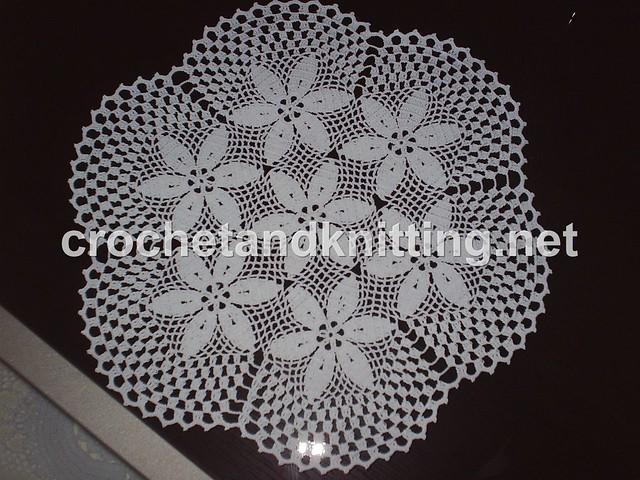 Beginner Crochet Tablecloth Patterns : Round Crochet Doily Pattern 2 M3372M-2103 Crochet ...